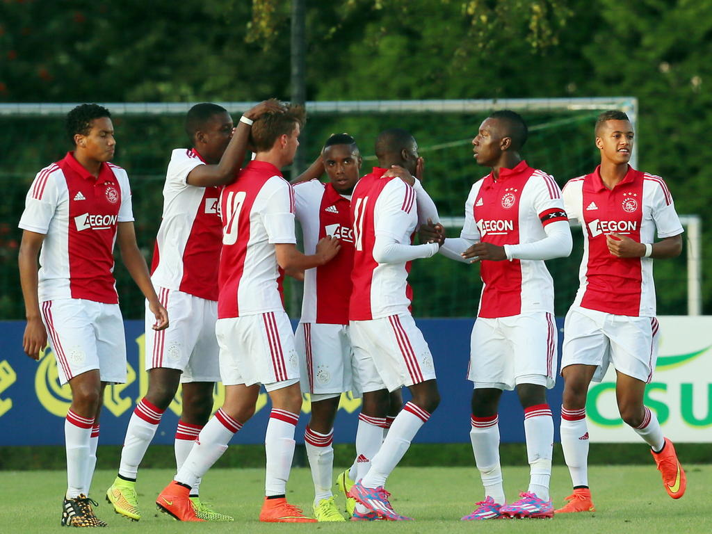 Nhận định, soi kèo Ajax vs Sturm Graz